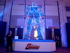 展示会速報「パチスロ 機動戦士ガンダム 覚醒-Chained battle-」新機種展示会開催(フィールズ)