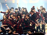 AKB48見参!ライブで新機種をアピール(京楽産業.)